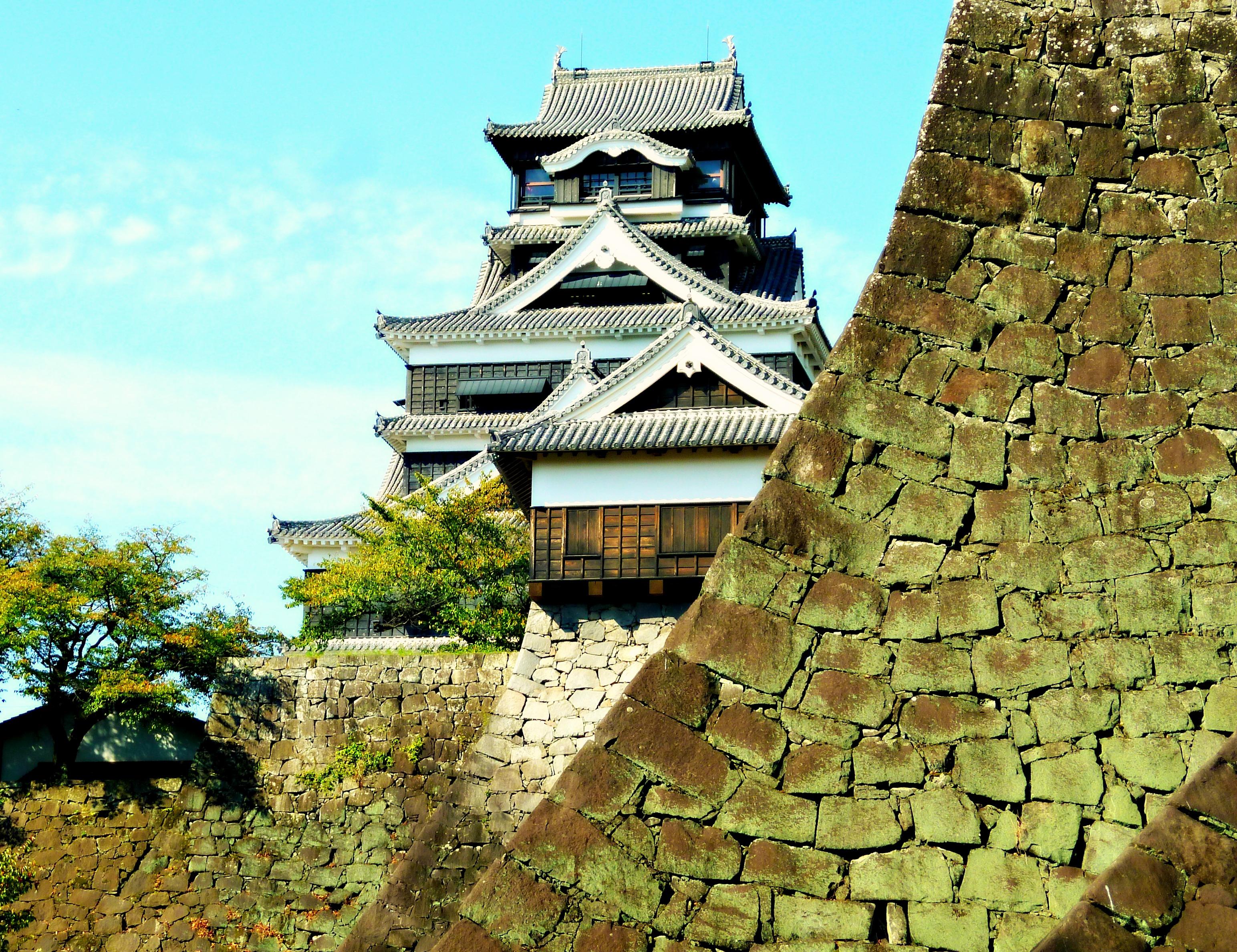 A Tour of Fukuoka Japan Kumamoto Castle 1